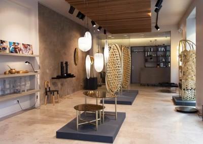 Gallery S. Bensimon - esposizione complementi arredo in metallo
