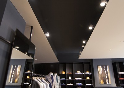 Showroom Luciano Barbera - controsoffitto in metallo
