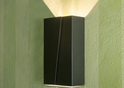 Trattoria 18-28 - lampada in metallo
