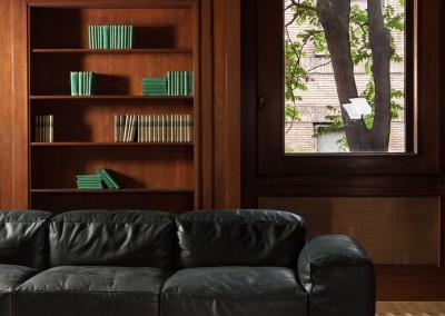 Gio Pagani - divano con struttura in tubi metallici